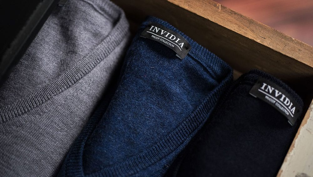 88a4fb21b1 Cosa mettere sotto il maglione uomo: guida agli abbinamenti ...