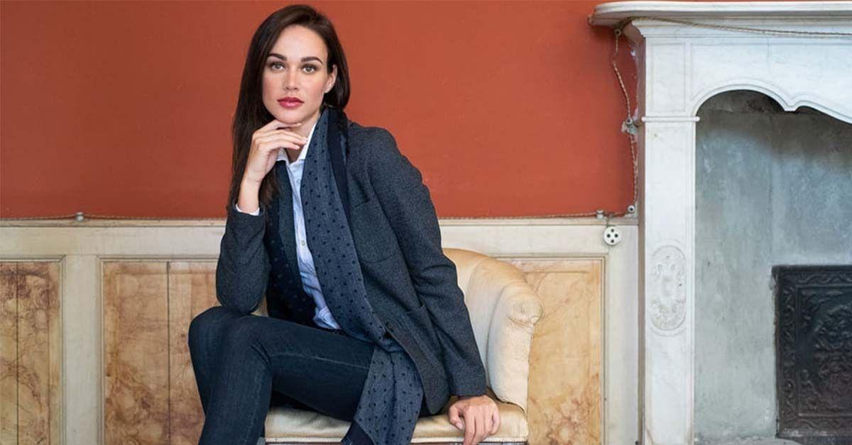 low priced 9ccb2 7696c Come vestirsi per un colloquio di lavoro? Jeans e giacca ...